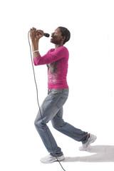 Donna che canta con microfono