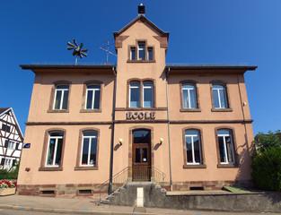 École élémentaire publique de Geispitzen , Alsace.