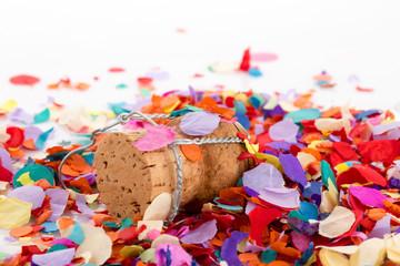 Konfetti mit Sektkorken zu Karneval, für Party oder Geburtstag