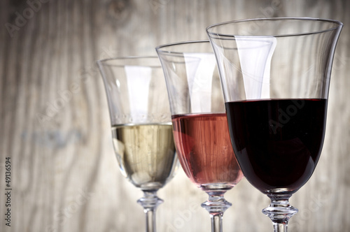 three colors wine