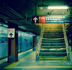 New Yorker U-Bahnstation bei Nacht