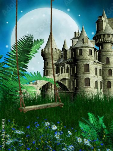 Drewniana huśtawka na tle baśniowego zamku