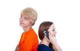 Teenager telefoniert mit Handy