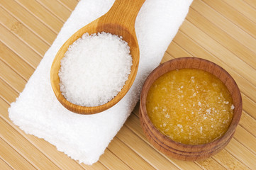 Homemade skin exfoliant (skin scrub) of sea salt and honey