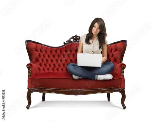 Frau_auf_Sofa