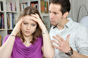 Junges Paar im Streit