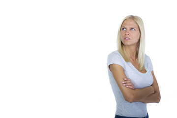 Frau mit verschränkter Haltung