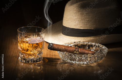 Papiers peints Bar Whiskey and cigar