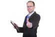 Mann mit Tablet PC zeigt Daumen hoch