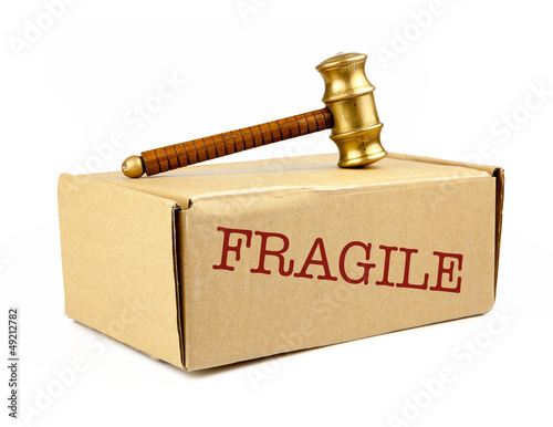 fragile auction box