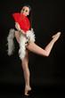 ballerina con ventaglio rosso