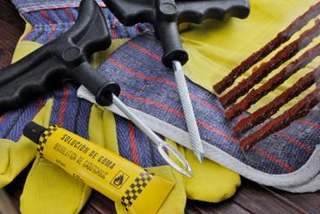 Kit per riparazione pneumatici tubeless