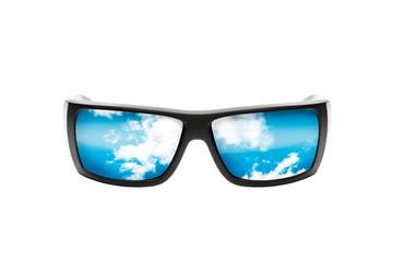 Gafas de sol con cielo reflejado