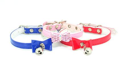 Tres collares para mascotas