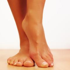 pieds nus ( femme )