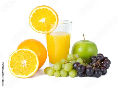 Orangensaft mit Obst