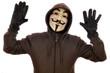 Anonymous mit erhobenen Händen