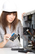 Frau als PC Techniker