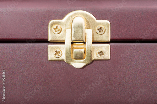 Chest latch