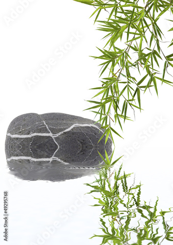composition détente, galet et bambou