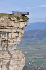 Mirador en el salto del Nervión,  norte de España