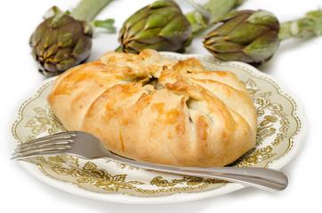 Panada, tortino salato ripieno di carciofi, cucina sarda