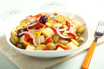 insalata di patate con verdure miste
