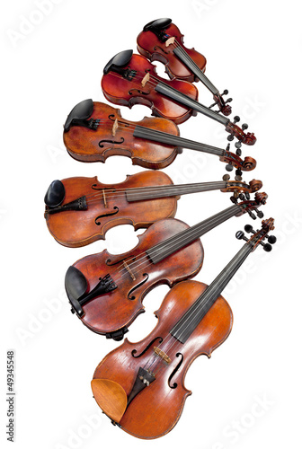 different sized violins