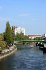 Wien, Donaukanal von der Schwedenbrücke aus