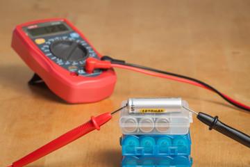Measuring battery voltage with digital multimeter