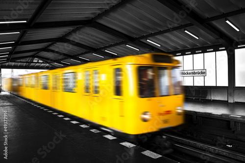 Fototapete Deutschland - Unterführung - Eisenbahn