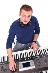 Synthesizer player