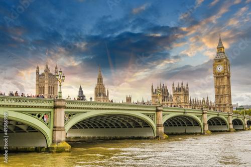piekna-londynska-architektura-budynki-parlamentu