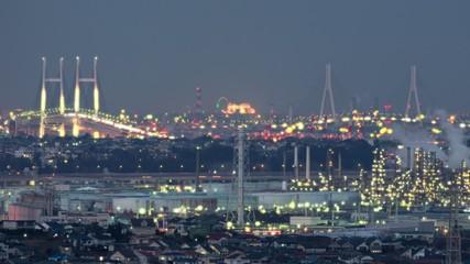 工業地帯と橋