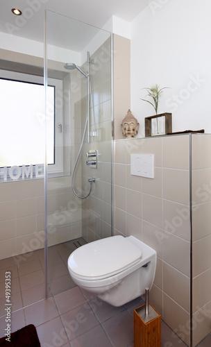 kleines badezimmer nach renovierung stockfotos und. Black Bedroom Furniture Sets. Home Design Ideas