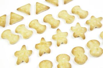 Savory snack, crackers