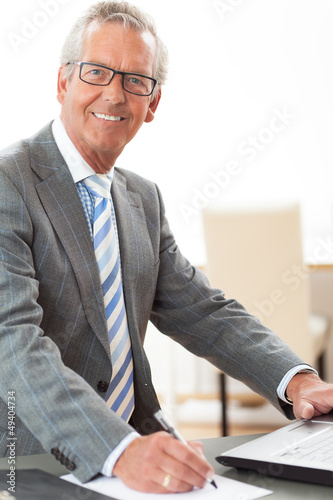 Senior Geschäftmann