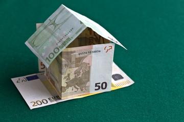 Banconote, euro, capitale immobiliare