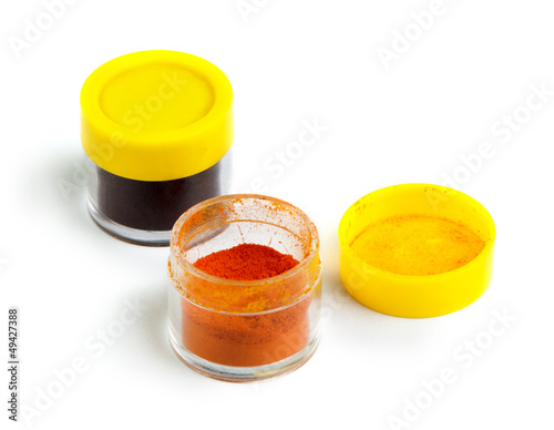 Artificial food coloring pigment or substances in pack