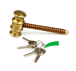 house keys and auction hammer
