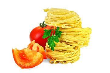 Noodles twisted with slices of tomato