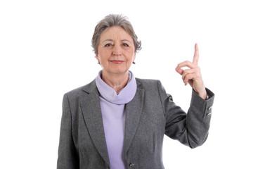 Ältere Dame isoliert mit erhobenen Zeigefinger