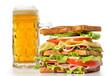 Sandwich y cerveza.