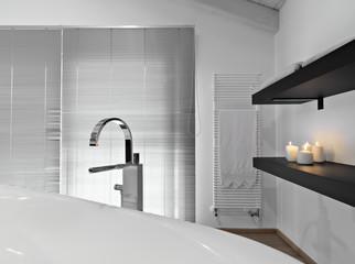 dettaglio della vasca da bagno in un bagno moderno