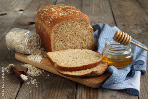 Oatmeal and honey bread