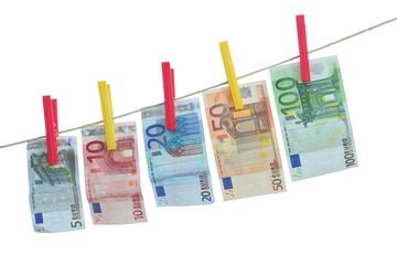 Geldscheine an Leine