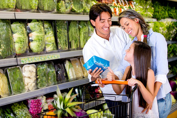 Family buying healthy food