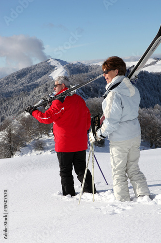 Older ski couple