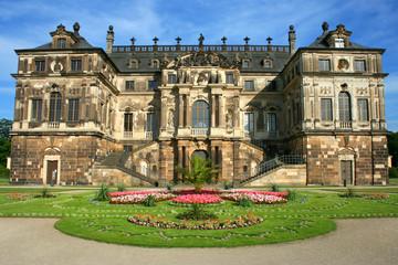 Palais Großer Garten im Sommer