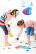Kinder beim Malern